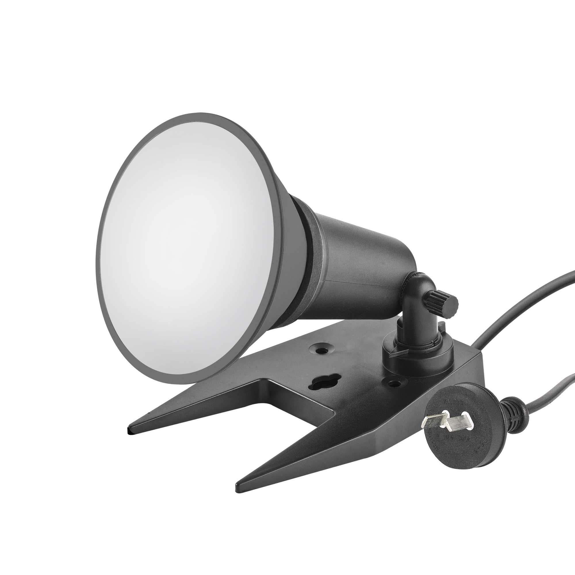 Black portable floodlight with 10w led par38 globe